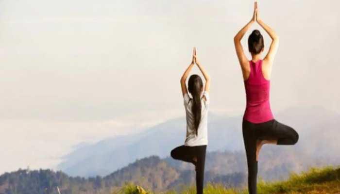 Children should do these 3 easy yoga asanas during the Corona period know  her benefit brmp | health news: कोरोना काल में बच्चों को कराएं ये 3 योगासन,  रहेंगे फिट और स्वस्थ्य,