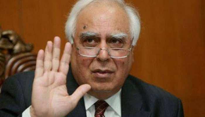 Kapil Sibal का कांग्रेस नेतृत्व पर सवाल! कहा- 'फिलहाल BJP का कोई सियासी विकल्प नहीं'