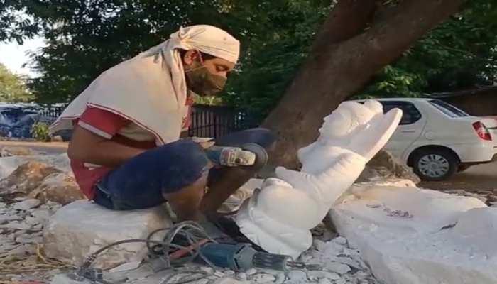 कोरोना की मार झेल रही भेड़ाघाट की विश्व प्रसिद्ध मूर्तिकला, लोगों के सामने पैदा हुआ रोजी-रोटी का संकट