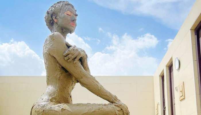 बॉलीवुड एक्ट्रेस Urvashi Rautela ने लिया Mud Bath, फोटो देख आंखों पर नहीं होगा यकीन