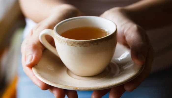 आप भी हैं ज्यादा चाय-कॉफी पीने के शौकीन तो हो जाइए सावधान, आंखों को हो सकता है भारी नुकसान!