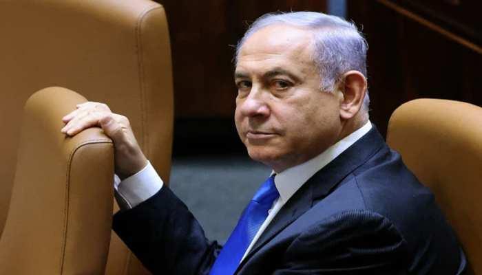 सत्ता से बेदखल हुए Benjamin Netanyahu नहीं छोड़ पा रहे कुर्सी का मोह, संसद में विपक्ष के बजाये PM की Chair पर बैठे