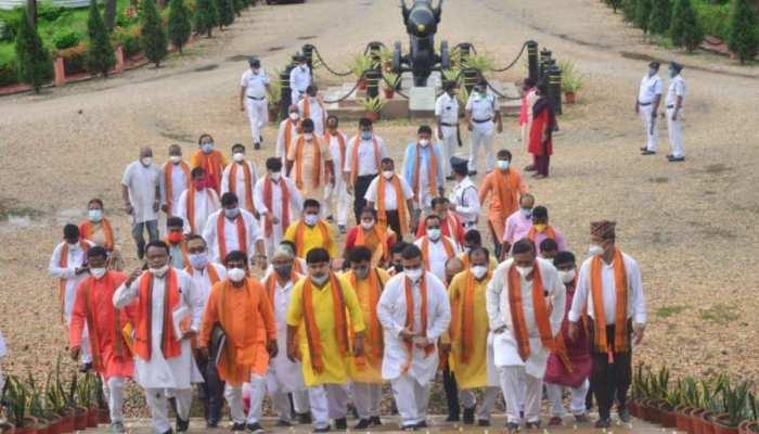 Governor से मिलने क्यों नहीं पहुंचे बीजेपी के 24 MLAs? Suvendu Adhikari ने बताई वजह