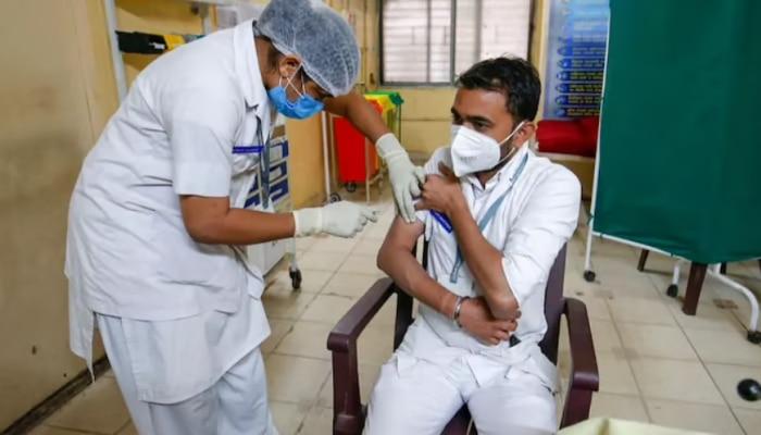 कोरोना वैक्सीन के बाद एलर्जी से देश में पहली मौत, सरकार के बनाए पैनल ने की पुष्टि