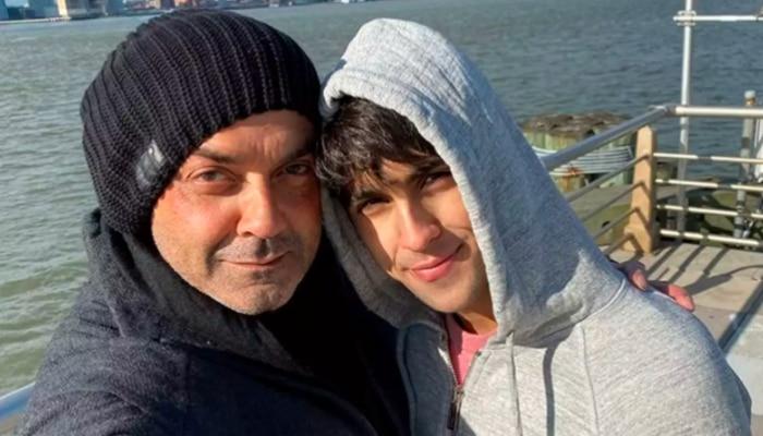 बेहद हैंडसम है बॉबी देओल का बेटा आर्यमान, अभी से दे रहे हैं बड़ी-बड़ी हस्तियों को कड़ी टक्कर