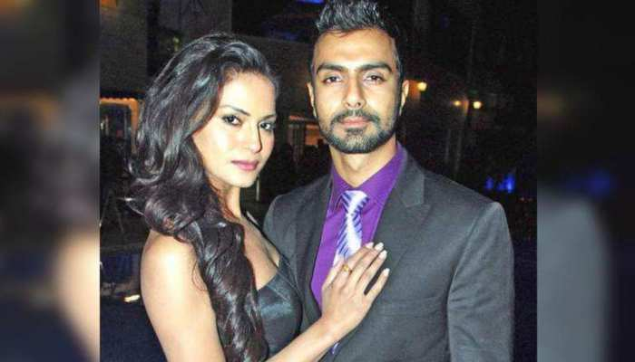 Veena Malik Stated that Ashmit Patel used to wash her undergarments in Bigg Boss House