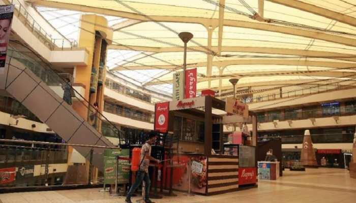 उत्तर प्रदेश सरकार ने दी छूट, सोमवार से सुबह सात बजे से रात्रि नौ बजे तक खुलेंगे बाजार, मॉल व रेस्तरां
