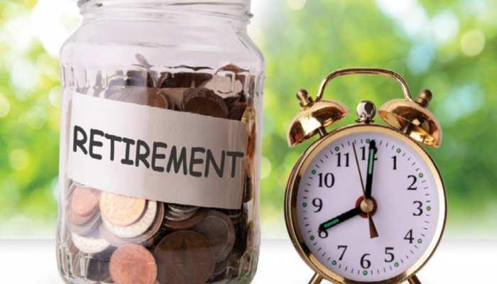 NPS: रोज 74 रुपये बचाकर भी बन सकते हैं करोड़पति! हर महीने मिलेगी 27,500 रुपये की पेंशन