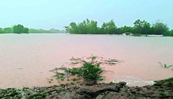 Bettiah में 'काल 'बना रहा है बाढ़ का पानी, टापू में तब्दील हुआ भंटाडीह गांव