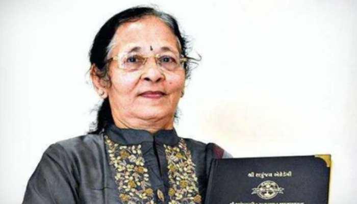 महिला ने दशकों पुराना सपना किया पूरा, 67 साल की उम्र में हासिल की डॉक्टरेट की डिग्री
