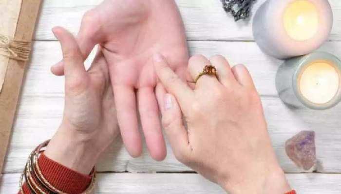 Palmistry: हथेली में Star का निशान दिलाता है बहुत लाभ, अपने हाथ में चेक करें