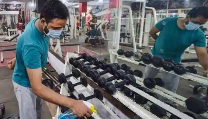 Delhi: कोरोना वैक्सीन लगवा चुके लोगों को ही मिलेगी Gym में एंट्री, Yoga सेंटर्स ने भी कही ये बात