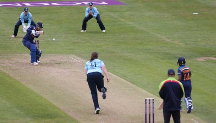 Mithali Raj की कोशिशें हुईं नाकाम, England ने Team India को पहले ODI में दी करारी शिकस्त