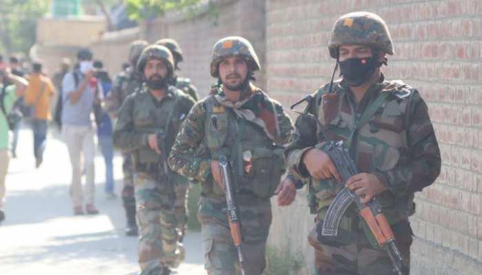 Srinagar में सुरक्षाबलों ने एक Pakistani Terrorist समेत दो आतंकियों को किया ढेर, ऑपरेशन जारी