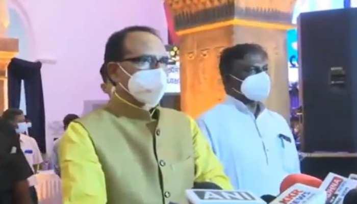 Doctors Day पर CM ने दी डॉक्टरों को बधाई, बोले- तुम रक्षक काहू को डरना...!