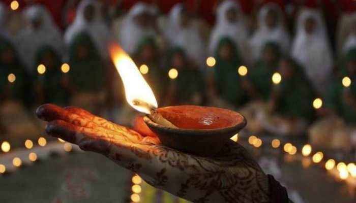 Remedies: जान लें पूजा में तेल के इस्तेमाल का सही तरीका, तभी मिलेगा फल