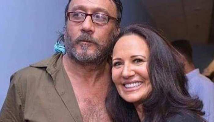 गुंडों से घिर गए थे Jackie Shroff, पत्नी आयशा ने की थी धुनाई; बचाई जान