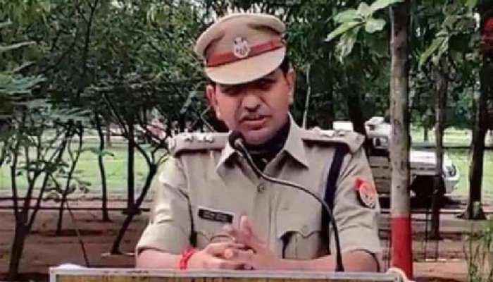 फरार निलंबित IPS मणिलाल पाटीदार को एक और झटका, महोबा पुलिस ने कुर्क किया राजस्थान का पैतृक घर