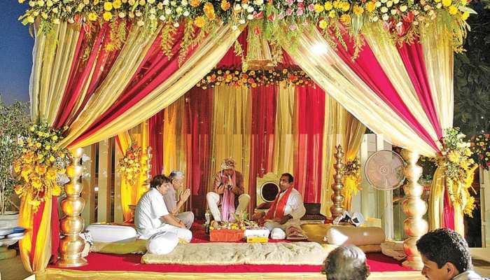 New Guidelines: इंदौर में शादी समारोह को लेकर नए निर्देश जारी, होटल-बार भी 11 बजे तक खुलेंगे