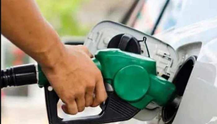 Petrol Diesel Price: दिल्ली में पेट्रोल की कीमत 100 के पार, जानिए आपके शहर का हाल