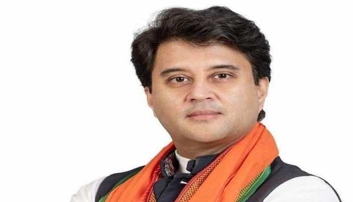 मोदी सरकार में मंत्री बने ज्योतिरादित्य सिंधिया, मिला भाजपा की सत्ता में वापसी कराने का ईनाम