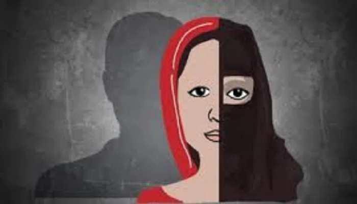 महिला का आरोप- शौहर जबरन करवाता है लोगों का धर्मांतरण, सच सामने आने पर शुरू कर दी मारपीट