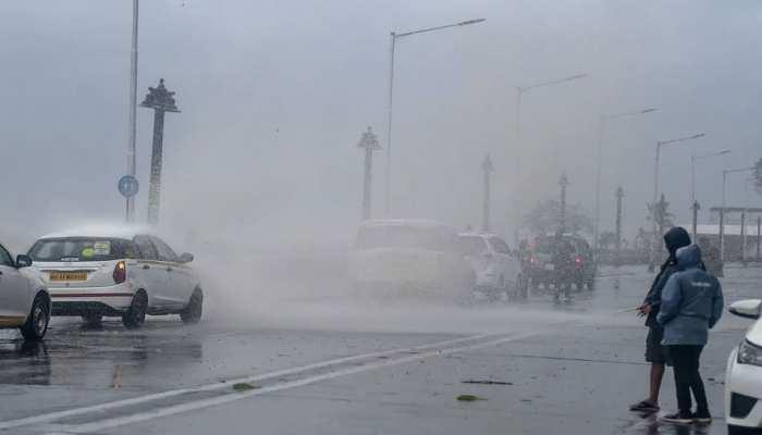 Weather News: भयंकर गर्मी के बीच राहत की खबर, Delhi-NCR में आज फिर होगी बारिश