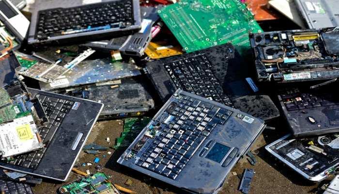 अगर आप भी खराब इलेक्ट्रोनिक डिवाइस कबाड़ी को बेचते हैं तो हो जाएं सावधान! हो सकता है बड़ा नुकसान