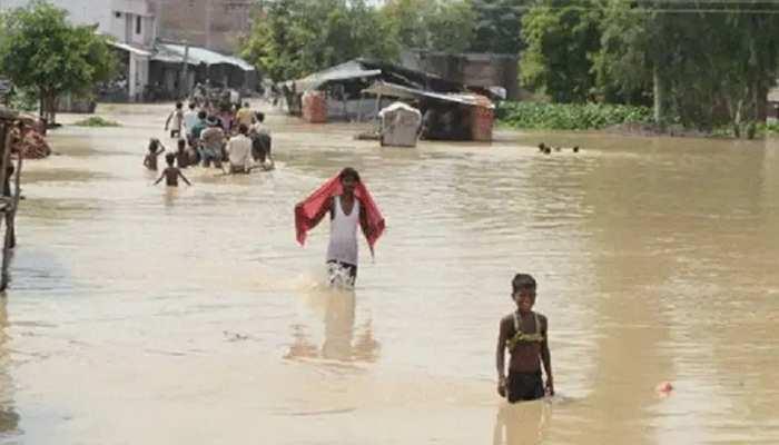 Bihar Flood: मधेपुरा में जारी है बाढ़ का कहर, सरकारी स्तर पर नहीं हुई कोई व्यवस्था, भगवान भरोसे हैं लोग