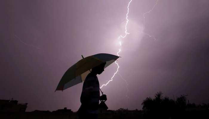 बारिश से बचने के लिए जिस झोपड़े में ली थी पनाह, उसी पर गिरी बिजली, 3 किसानों की दर्दनाक मौत