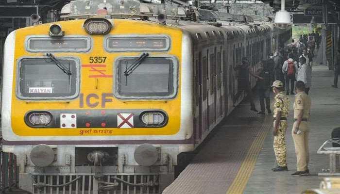 Mumbai Local Train Update: महाराष्ट्र सरकार से BJP की मांग, आम लोगों के लिए शुरू करें लोकल या दे 5000 रुपये यात्रा भत्ता