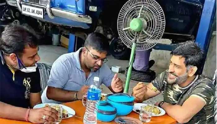 महेंद्र सिंह धोनी के कार कलेक्शन में शामिल हुई ओल्ड Rolls-Royce! सोशल मीडिया पर फोटो हुई वायरल