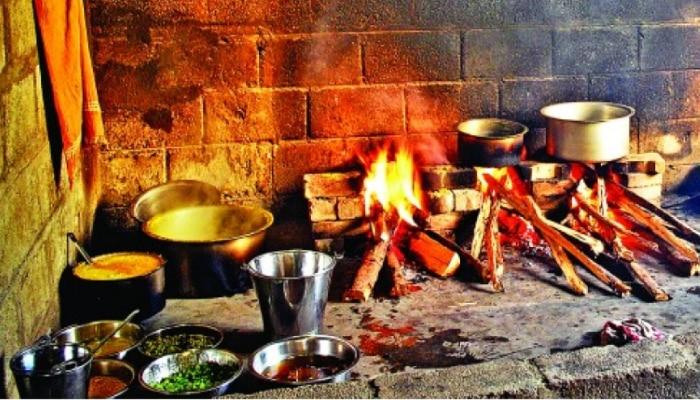 Vastu Tips For Kitchen घर की रसोई में कर लीजिए ये बदलाव बदल जाएगी आपकी किस्मत