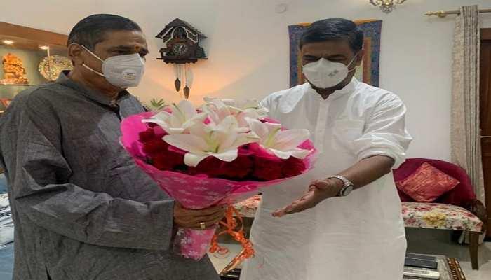 केंद्रीय मंत्री आरके सिंह से मिले BJP नेता RK Sinha, कहा-बिहार के विकास को लेकर हुई चर्चा