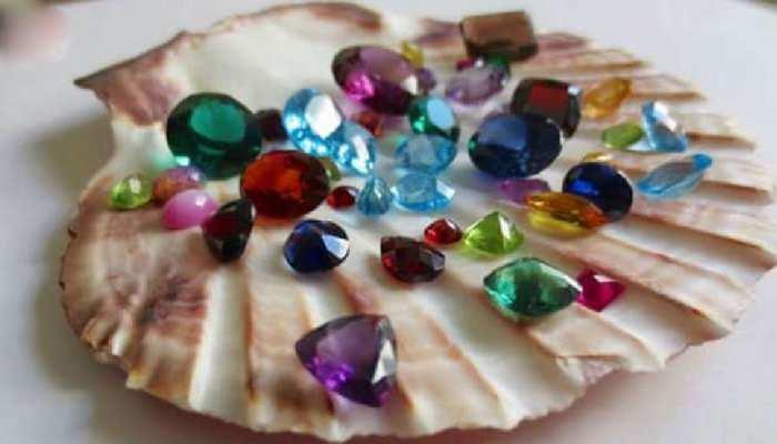 इन Gemstones को एक साथ पहनने से Benefit की जगह हो जाएगा Big Loss, जानें वजह