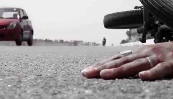बोकारो में दर्दनाक हादसा, ट्रक चालक ने साइकिल सवार व एक अन्य को मारी टक्कर, आक्रोशित लोगों ने घंटों किया सड़क जाम