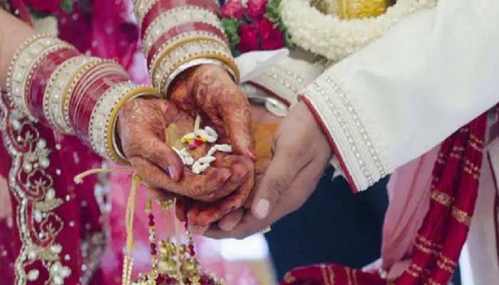 रोहतास: डेहरी स्थित महिला थाने में प्रेमी-प्रेमिका ने रचाई शादी, पुलिसकर्मी रहे मौजूद