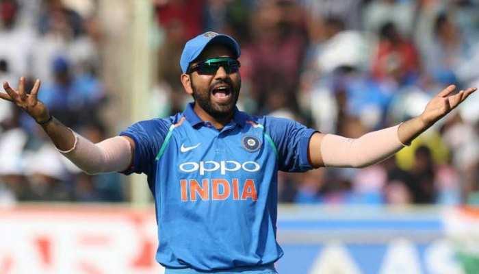ये क्या! Rohit Sharma ने इन 2 भारतीय क्रिकेटर्स को कह दिया  'जोकर'