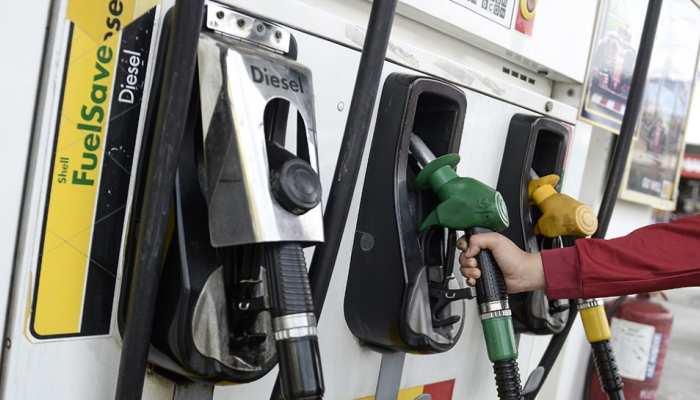 Petrol Price Today 27 July 2021: 10वें दिन भी नहीं बदले पेट्रोल डीजल के दाम, लेकिन कच्चा तेल पहुंचा 75 डॉलर
