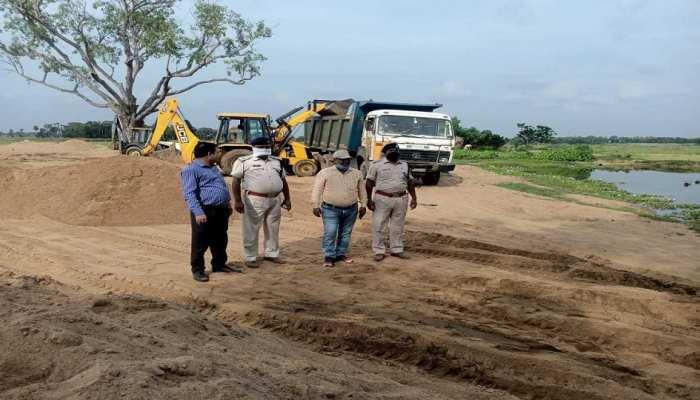 Zee Bihar Jharkhand के ऑपरेशन पायरेट्स ऑफ बिहार का असर, बांका जिले में आधा दर्जन वाहन जब्त