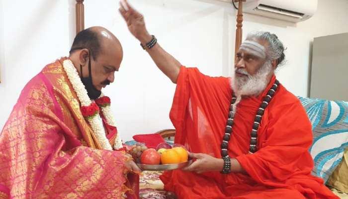 CM बनने वाले पिता-पुत्र की जोड़ी में नया नाम जुड़ा कर्नाटक के बोम्मई परिवार का