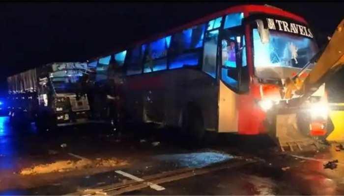 Barabanki Road Accident: ड्राइवर ने कहा था थोड़ा आराम कर लो... आधी रात मौत की नींद सो गए 18 मुसाफिर