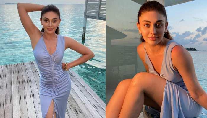 Shefali Jariwala threw lightning in a bodycon dress by the beach