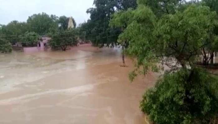 Jhunjhunu में बारिश बन गई आफत, 200 से ज्यादा घरों में भरा पानी