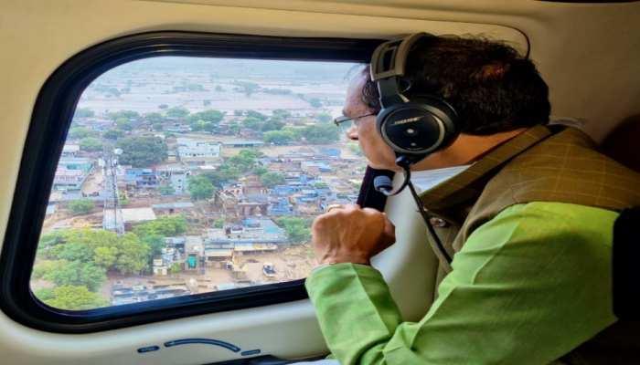 बाढ़ ग्रस्त क्षेत्रों का दौरा कर लौटे शिवराज, कहा-बचाव कार्य जारी, नुकसान की भरपाई भी होगी