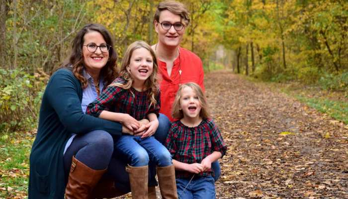 Canada: 36 year old Tea Lynn Van Dyk came out as trans to wife, his daughters shocked