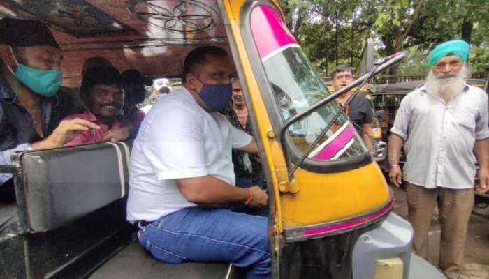 जमशेदपुर में स्वास्थ्य मंत्री बन्ना गुप्ता का ऑटो चालक अवतार! परिवहन विभाग के अभियान के लिए पहल