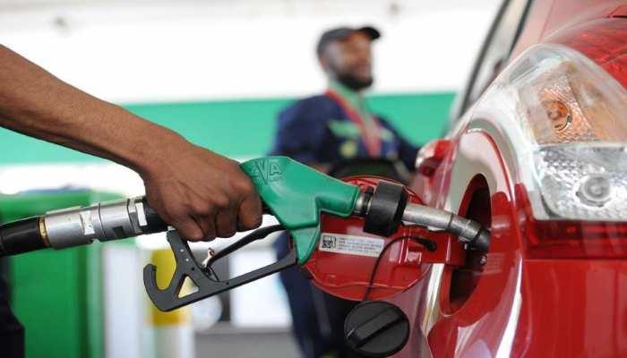 Petrol Diesel Price Today: पेट्रोल-डीजल की महंगाई से मिली बड़ी राहत! जल्दी करवाएं टैंक फुल, जानें अपने शहर का भाव