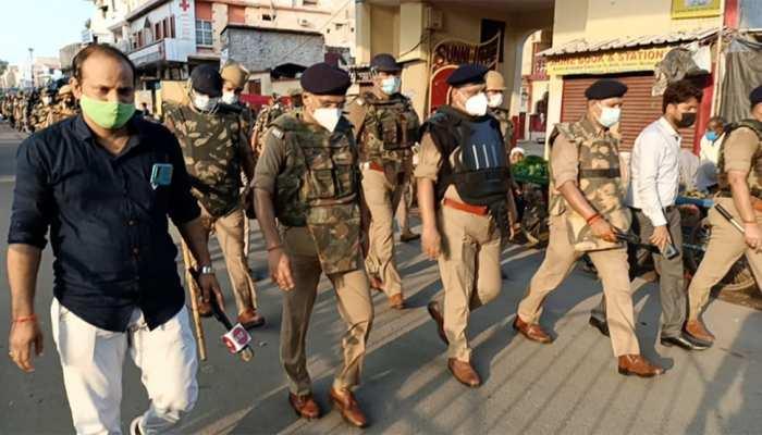 मुहर्रम को लेकर सख्त UP पुलिस, निकाला रुट मार्च, पुलिस ने की मुसलमानों से यह अपील