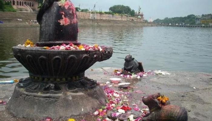 Lord Shiva Pooja Vidhi: महादेव शिव की पूजा करते हुए न करें ये गलतियां, नहीं तो होगा अनिष्ट